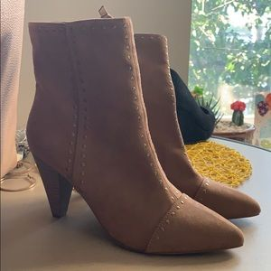 Universal thread studded booties